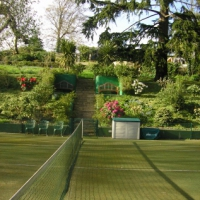 tennis-lawn-holiday-property