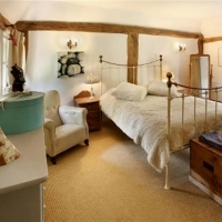 Thatchers Cottage Master Bedroom